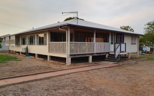 24 Rainbow Road, Charters Towers City Q 4820
